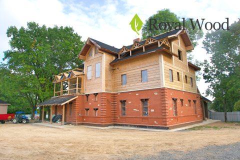 Строительство дома из бруса красного канадского кедра под Минском