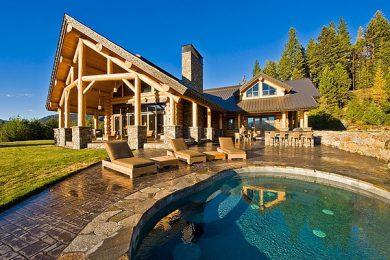 Деревянные дома ручной рубки из лиственницы